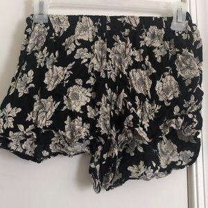 Brandy Melville black, flower, scrunch shorts!